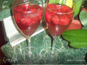Желе из шампанского и клубники
