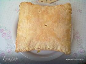 Пирог слоеный с творогом