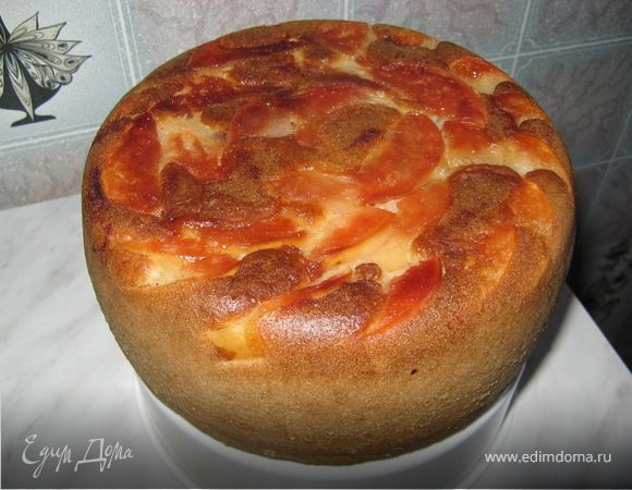 Пирог с имбирем, корицей и яблоками