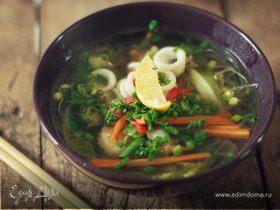 Фо с морепродуктами (вьетнамский суп)