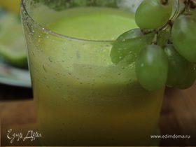 Сок из ананаса, винограда и сельдерея