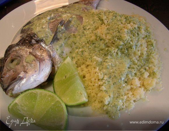 Рыба с соусом из кориандра, лайма и кокосового молока