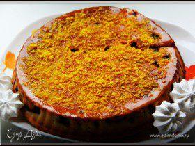 Пирог с консервированными сливами в лимонной глазури