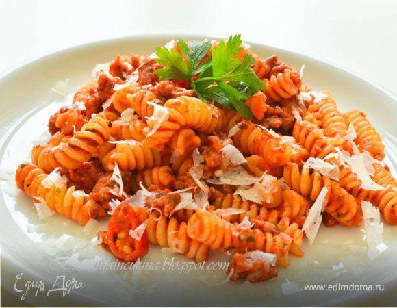 Паста с экспресс-рагу из домашней колбаски