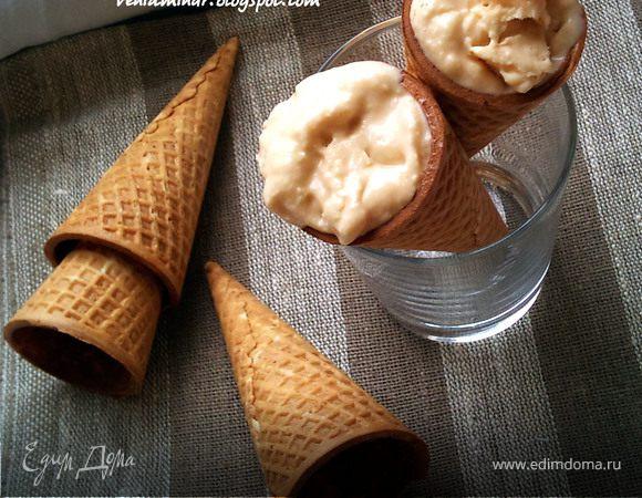 Мягкое мороженое с кленовым сиропом