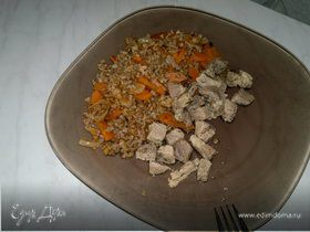 Гречка с морковью и луком ( классика ) и свиная лопатка с шалфеем и чабрецом