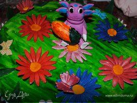 """Торт """"Лунтик на цветной поляне"""""""