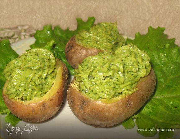 Картофель с зеленью, сыром и орешками