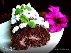 Шоколадный рулет с черничным муссом