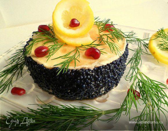 Мини-тортики из лимонныx блинов, зернистого творога и черной икры