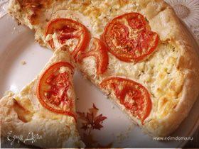 Открытый пирог с творогом и сыром