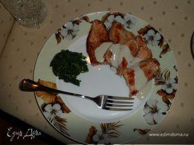 Индейка Дорн Блю со шпинатом + хрустики из индейки с пармезаном и лёгкий салат с брынзой