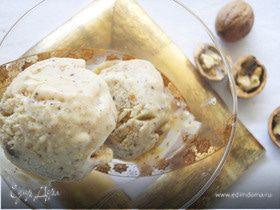 Ореховое мороженое с корицей