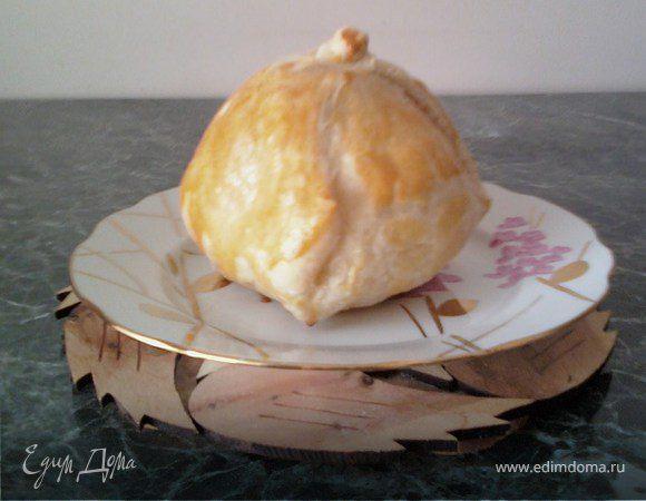 Яблочко в слоеном тесте