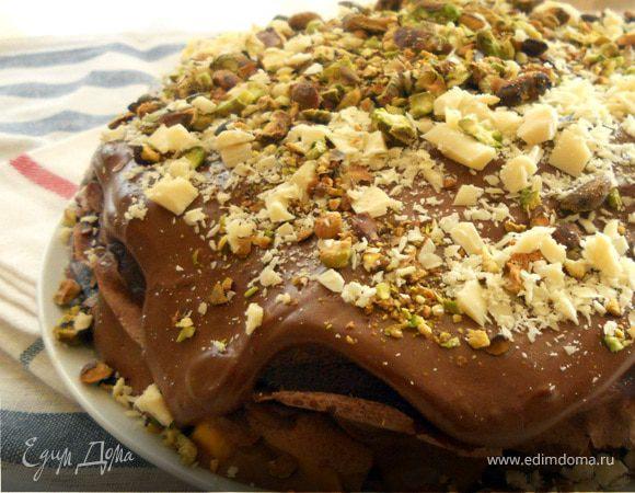 Восхитительный шоколадный блинный пирог с маскарпоне и манго