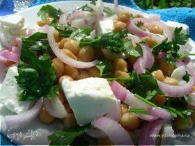 Салат с нутом и фетой