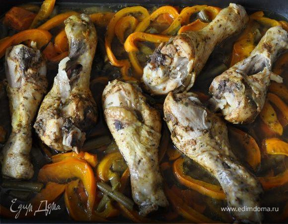 Куриные голени со стручковой фасолью и перцем
