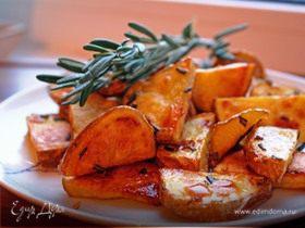 Картофель печеный с розмарином