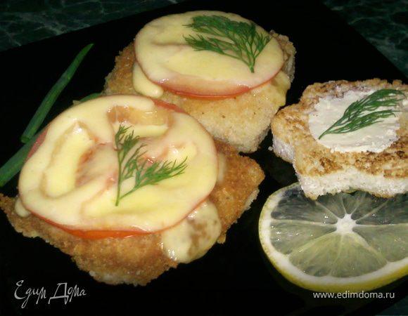 Рыба в кляре с помидорами и сыром