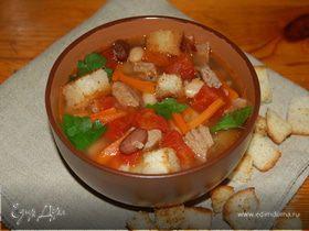 Фасолевый суп с крутонами