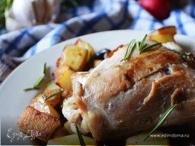 Куриное жаркое с грибами, картофелем и розмарином