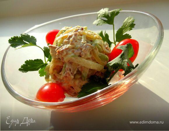 Салат из зеленой редьки с мясом