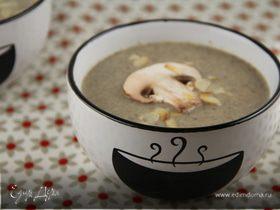 Грибной суп-пюре с сыром Бри и миндалем