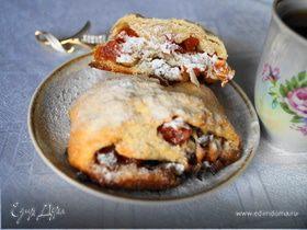 Творожные булочки с орехами, изюмом и курагой