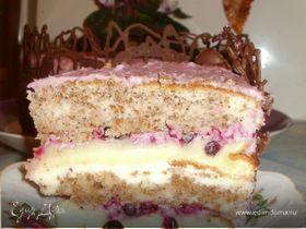 Бисквитный торт с орехово-смородиновой ноткой
