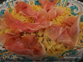Тальятелле с ветчиной и томатно-оливковым соусом
