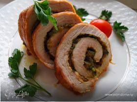 Рулет из свинины с сыром и фисташками