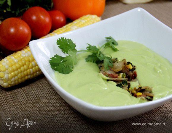 Холодный суп из авокадо с начинкой