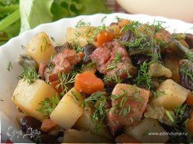 Тушеное мясо с овощами и красной фасолью