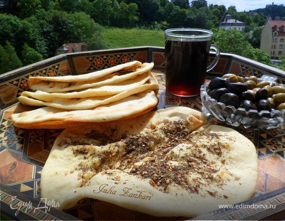 Манаиш-лепешки с сыром и кунжутом, заатаром