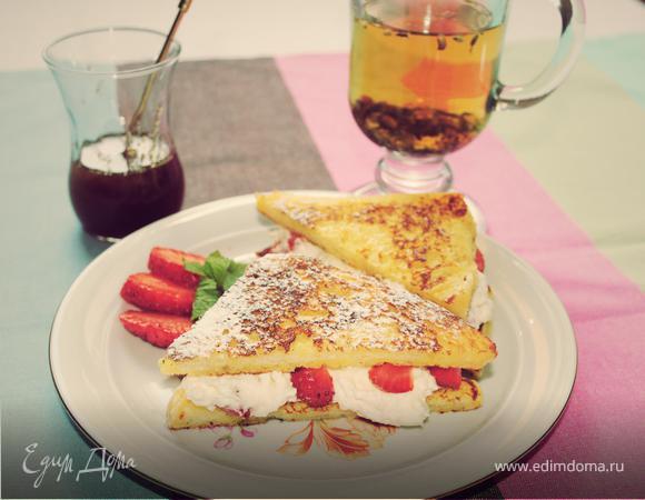 Тосты с ягодами и творогом