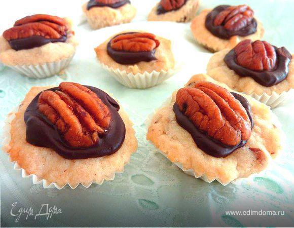 Печенье с шоколадом и орехами пекан