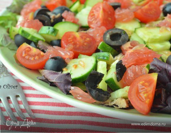 Салат с тунцом и свежими овощами под вкуснейшей заправкой