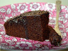 Шоколадный торт на красном вине