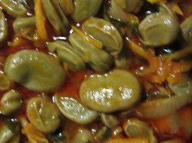 Бобы в томатной заправке
