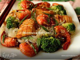 """Рисовая лапша с брокколи и морепродуктами (""""Неделя японской кухни"""")"""