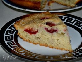 Пирог со сливами и корицей
