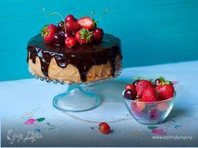Торт с кремом с маскарпоне и ягодами