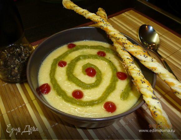 Суп-пюре из чечевицы с курицей и маковыми палочками