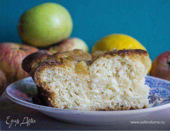 Сдобный пирог с кокосовой карамелью