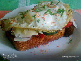 Бутерброд с беконом и яйцом (на завтрак для Ани)