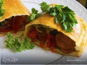 Пицца кальцоне с грибами, овощами и сыром Джюгас