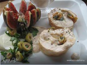 Фаршированное куриное филе с соусом из тунца