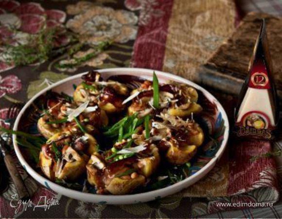 Картофель, фаршированный фасолью, грибами и сыром Джюгас