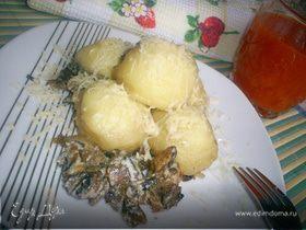 Ньокки, тушенные в сливочно-грибном соусе