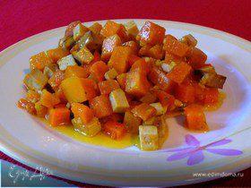 Теплый салат из тыквы, батата и моркови с пикантной заправкой